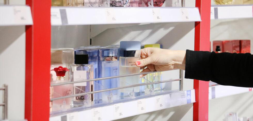 image: Du trenger ikke å reise bort for å få «taxfree-priser» på parfyme og kosmetikk