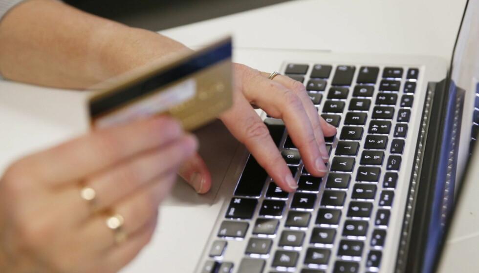 FORSKUDDSBETALING: At noen ber deg vippse over penger uten å sende varer, er en gjenganger. Foto: Erik Johansen/NTB scanpix