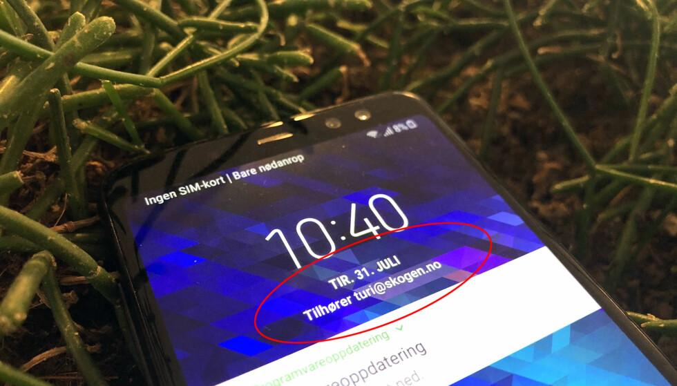 KONTAKTINFO: Alle med Android-mobiler kan enkelt vise kontaktinfo på låseskjermen. Foto: Bjørn Eirik Loftås