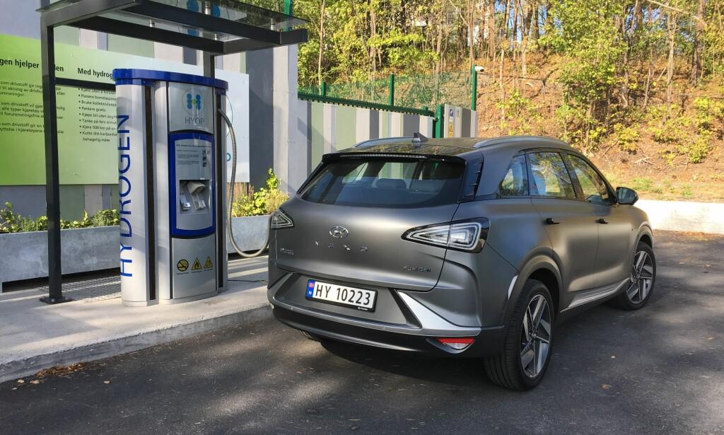 ALTERNATIV NYKOMMER: De første fem eksemplarene av den nye hydrogen-SUV-en, Hyundai Nexo (bildet), ble registrert i juli. Foto: Knut Moberg
