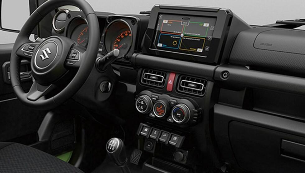 ET STEG TILBAKE: Suzuki har gått retro-style på interiøret, men henvisning til 80-talls utgaven. Foto: Suzuki