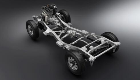 FULLVERDIG RAMME: Bilen har et såkalt body-on-frame. En karosseri som er satt på en rammekonstruksjon. Foto: Suzuki