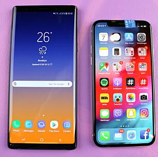 NOTE 9 VS. IPHONE X: Dette er de to råeste mobilene fra henholdsvis Samsung og Apple, men det er åpenbar forskjell i størrelsen på dem. Foto: Kirsti Østvang