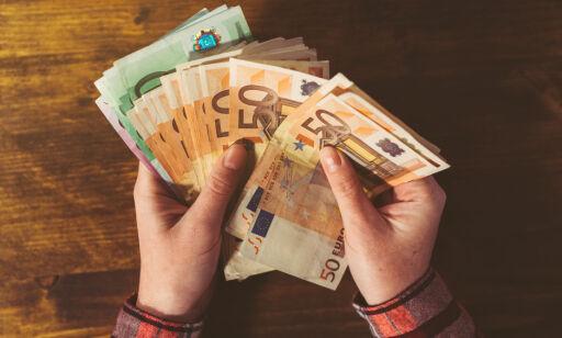 image: Dette gjør du med kontanter du har til overs etter ferien