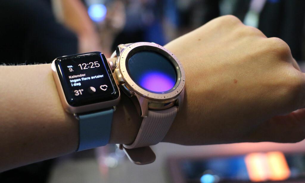 FOR DAMENE: Den minste 42mm-utgaven av Galaxy Watch kommer i en rosegull variant, akkurat som Apple Watch. Samsungs smartklokke er fortsatt ganske maskulin, til tross for feminine farger. Foto: Kirsti Østvang