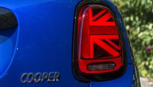 ANGLOFILE: Ingen tvil om hvor Minien stammer fra. Union Jack baklykter er råtøffe detaljer. Foto: Jamieson Pothecary