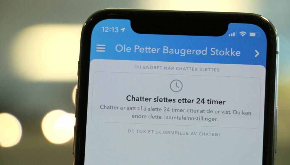 BEHOLD CHATTEN LENGRE: Nå lar Snapchat deg beholde chatter 24 timer etter at de er vist, i stedet for at de forsvinner med en gang. Foto: Kirsti Østvang