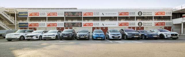 TESTBILENE: Her er alle bilene fra testen linet opp. Foto: Autobest