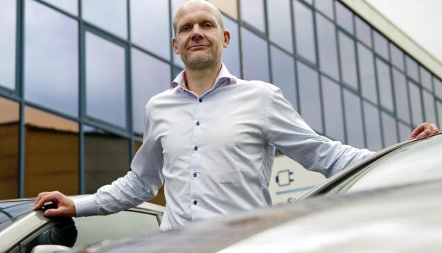 <strong>JUBLER OVER BUDSJETTET:</strong> Administrerende direktør Ulf Tore Hekneby i bilimportøren Harald A. Møller AS.