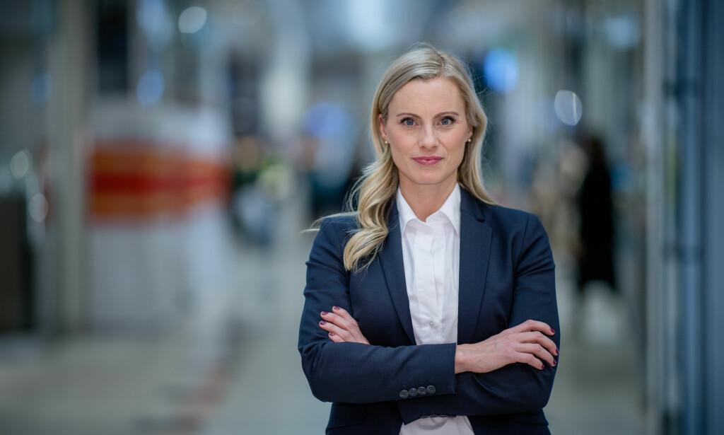 FIKK FONDSSTØTTE: Silje Sandmæl i DNB fikk to fond da hun studerte i utlandet. Hun råder studenter til å sette seg inn i hvilke legat og stipend som finnes, som de enten kan få for god innsats eller må søke om. Foto: Stig Fiksdal.