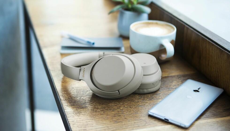 NUMMER TRE: Sony lover at både støyreduksjon og lydkvalitet er kraftig forbedret i den tredje 1000X-modellen. Foto: Sony
