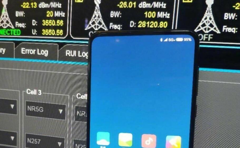5G-STØTTE: Nå skal, etter sigende, den første telefonen med 5G være på vei ut på markedet. Foto: Donovan Sung, Xiaomi