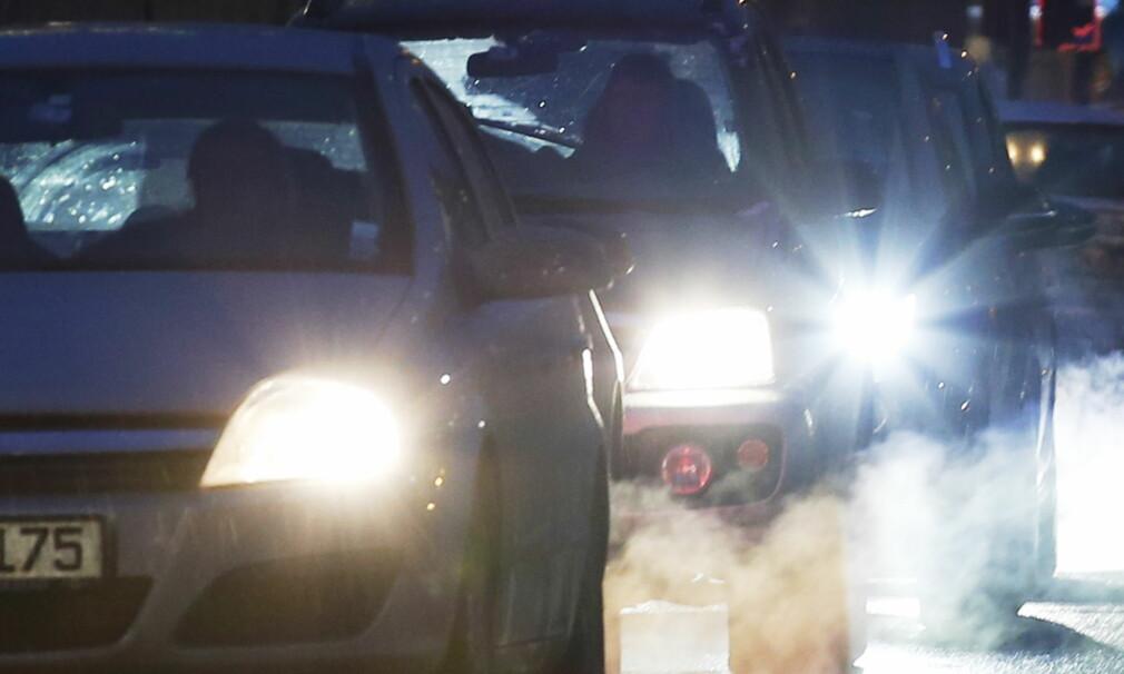 IKKE SÅ RENE LIKEVEL: En engelsk undersøkelse viser en helt klar trend på høyere CO2-utslipp på nye biler enn på modellene de erstatter. Foto: Erik Johansen / NTB scanpix