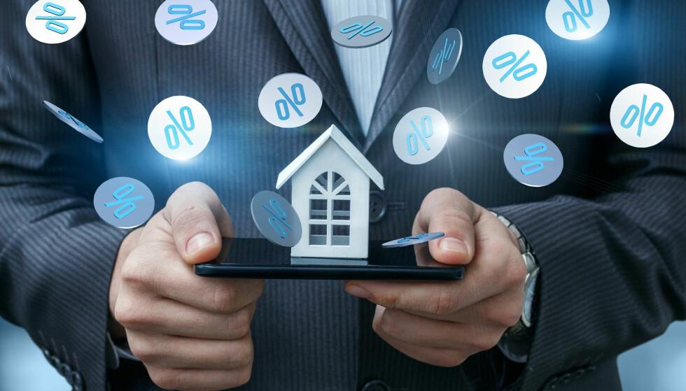 OPP, NED ELLER UFORANDRET: Her kan du sjekke hvor mye en renteendring vil påvirke økonomien din. Foto: Shutterstock