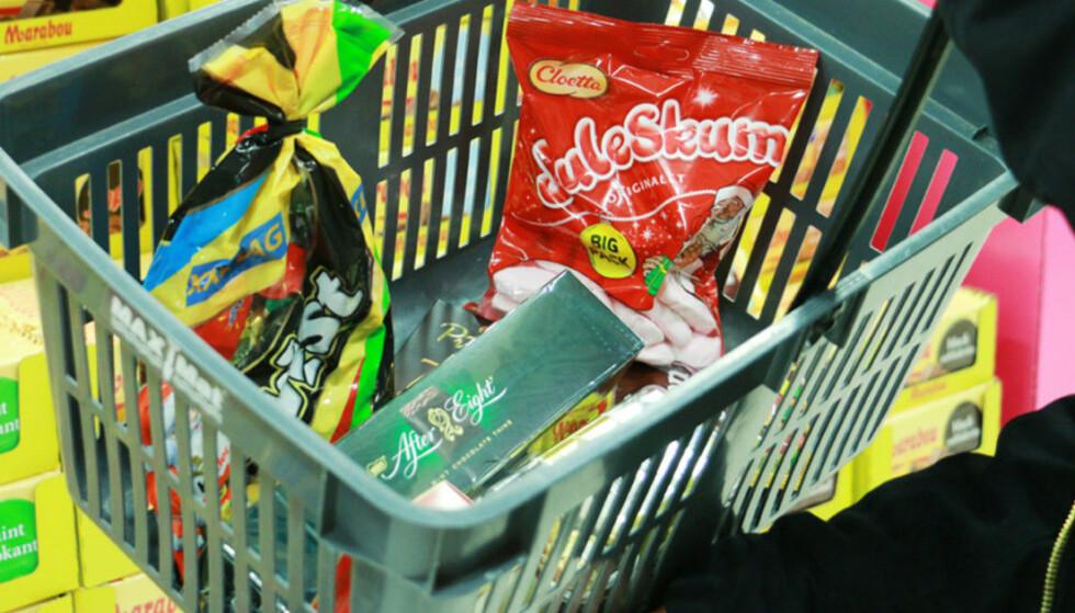 SVENSK GODIS: Vi kjøper stadig mer mat og godis på andre siden av landegrensa. Foto: Kristin Sørdal