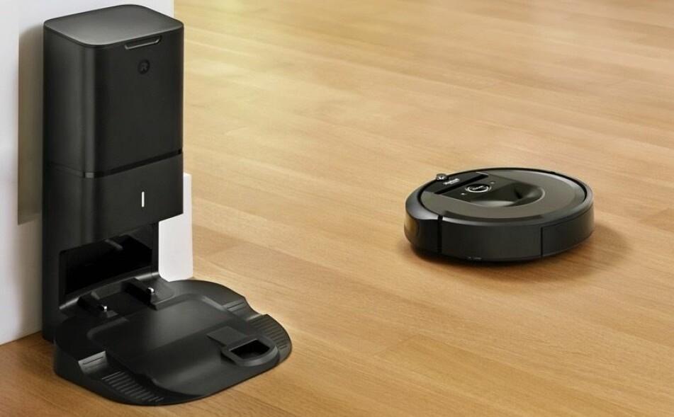 SELVTØMMENDE: Nå kan robotstøvsugeren din tømme seg selv når den er full. Foto: iRobot.
