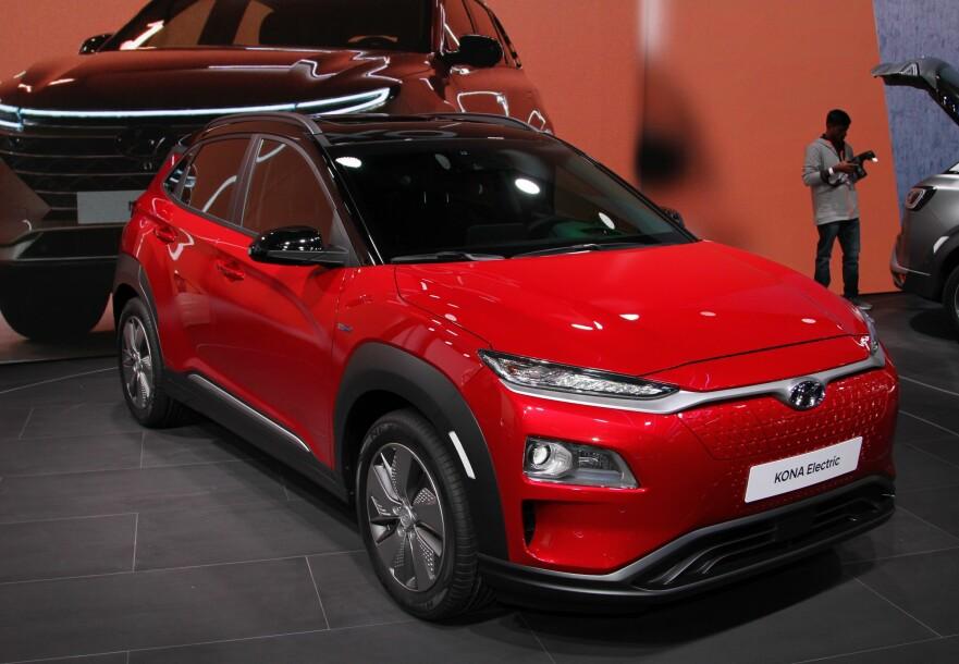 LANG VENTELISTE: En ny Hyundai Kona Electric koster 325.000 kroner, men du må vente til 2020 for å få bil dersom du bestiller i dag. Foto: Rune Korsvoll