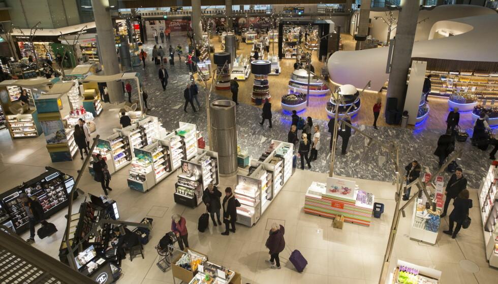KNUTEPUNKT NUMMER ÉN: Oslo lufthavn Gardermoens betydning som knutepunkt øker. Flyplassens andel av utlandstrafikken har økt fra 61 til 68 prosent fra 2015 til 2017, ifølge Avinors reisevaneundersøkelse. Foto: Berit Roald/NTB scanpix.