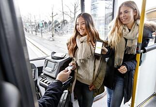 Nå blir det billigere kollektivreiser for flere barn og unge