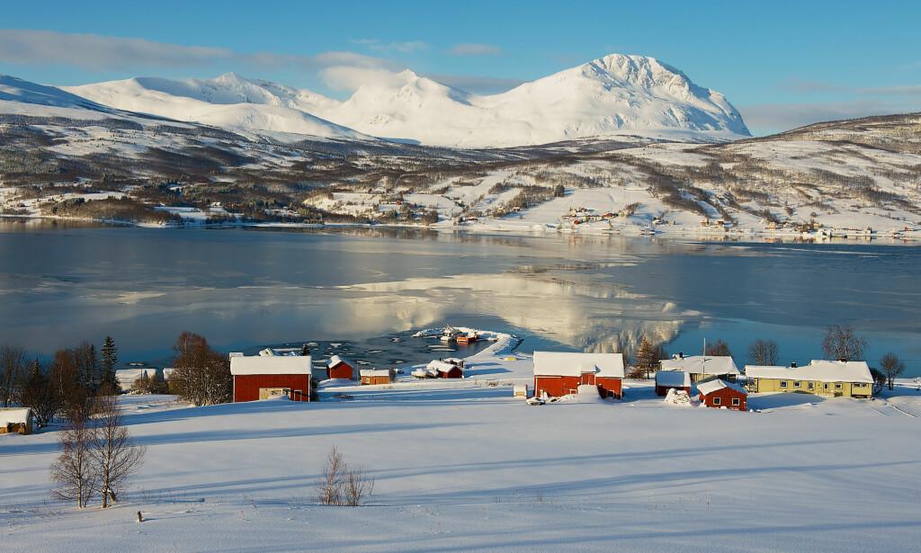 BILLIGST Å BO: Lavangen i Troms topper listen over kommunene med laveste bokostnader som er på 72.058 kroner i året, ifølge Samfunnsøkonomisk analyse. I motsatt ende finner vi Oslo. Foto: Shutterstock/NTB Scanpix.