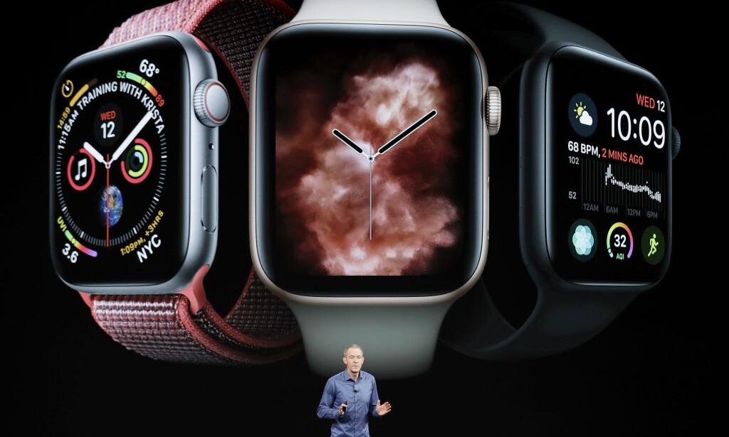 MED OG UTEN 4G: Apples nye smartklokke kommer med og uten 4G. I første omgang kommer bare modellen <i>uten</i> 4G-støtte til Norge. Foto: Marcio Jose Sanchez/AP Photo/NTB Scanpix
