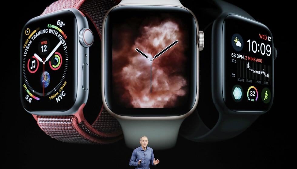 MED OG UTEN 4G: Apples nye smartklokke kommer med og uten 4G. I første omgang kommer bare modellen uten 4G-støtte til Norge. Foto: Marcio Jose Sanchez/AP Photo/NTB Scanpix