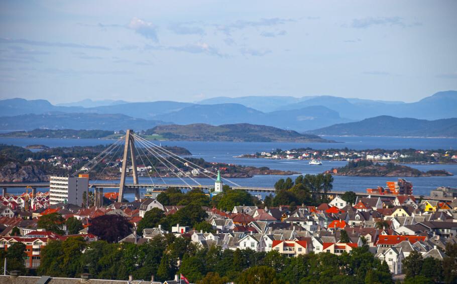 SKATTLAGT: Stavanger (på bildet) er én av 279 kommuner i Norge med eiendomsskatt. Kommunene tar eiendomsskatt på bolig, fritidsboliger og næringseiendom. Det er først og fremst eiendomsskatt på bolig og fritidseiendom som er et politisk omstridt lokalt, ifølge KS. Foto: Shutterstock/NTB Scanpix.