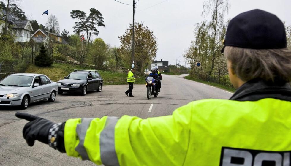 VARSLER STORKONTROLLER: Onsdag og resten av denne uka har politiet ekstra fokus på trafikksikkerhet, mobiltelefon- og beltebruk på veien. Foto: Håkon Eikesdal / Dagbladet