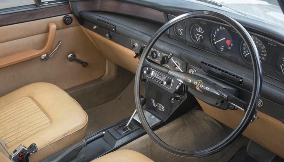 KONSEKVENT: Interiørdesign med sikkerhet i fokus. P6 hadde fire bilbelter allerede i 1963.