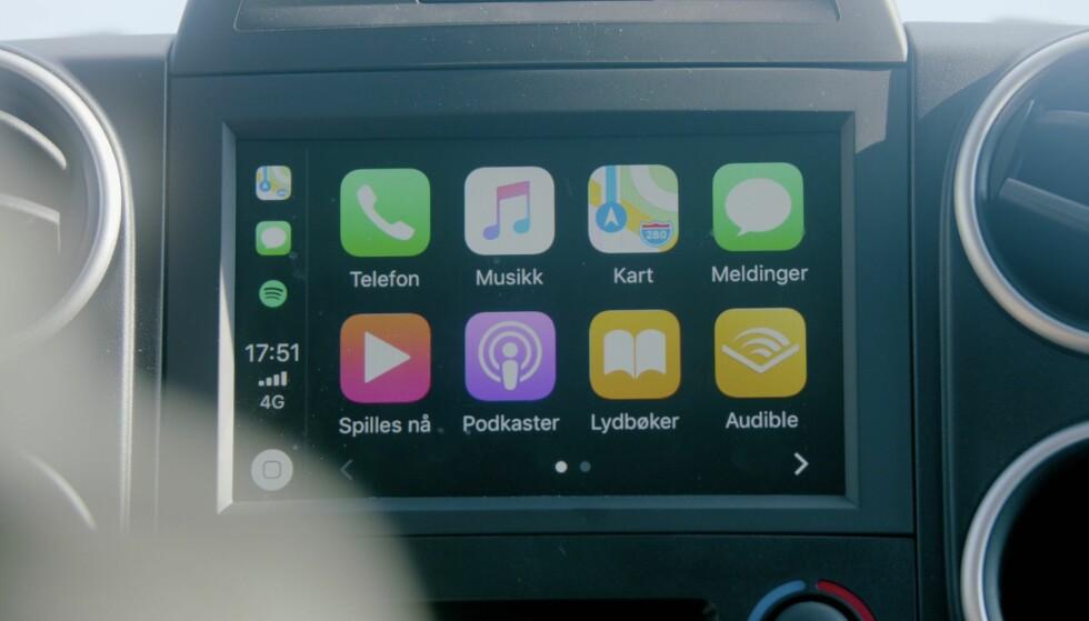 <strong>FULL OVERSIKT:</strong> Få full oversikt over bilens funksjoner på dashbordet.
