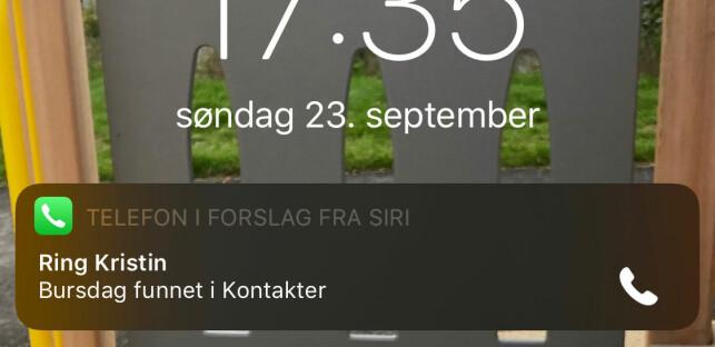 HUSK Å RINGE: Har noen i kontaktlista di bursdag, vil Siri nå foreslå at du ringer og gratulerer med dagen. Skjermbilde: Kirsti Østvang