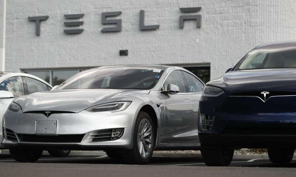 IKKE MED: Til tross for å være meget ettertraktet som folke-elbil, er ikke Tesla Model 3 nominert til å bli årets bil i verden. Foto: NTB Scanpix