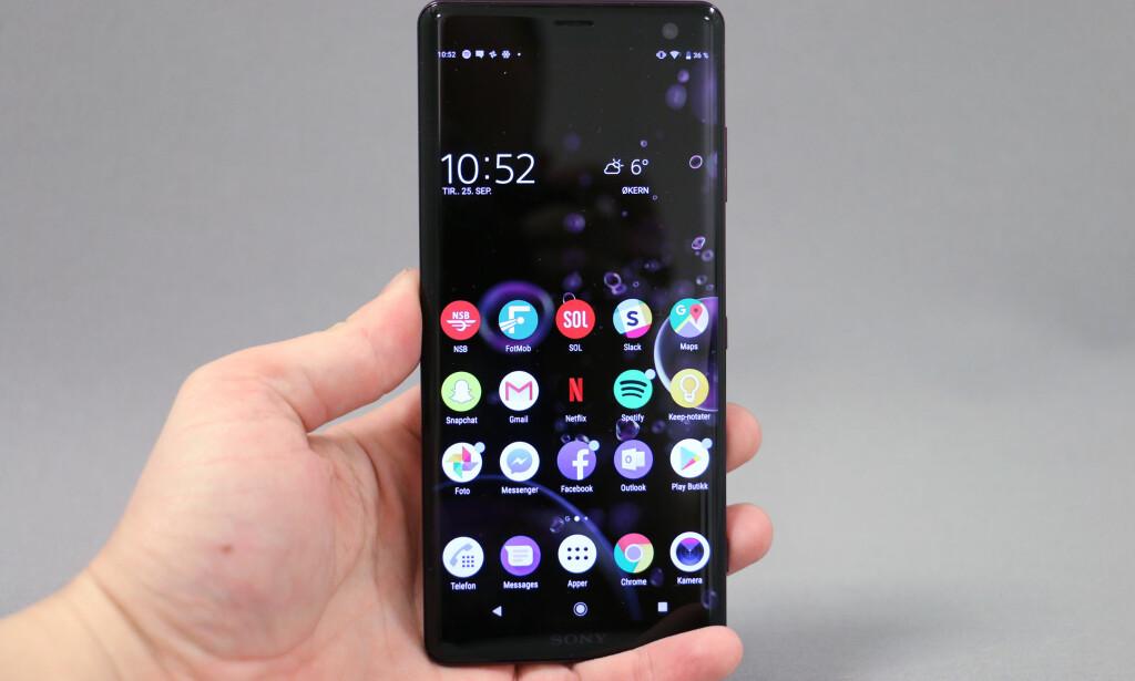 NÅ MED OLED: Xperia XZ3 er Sonys første telefon med OLED-skjerm. Foto: Pål Joakim Pollen