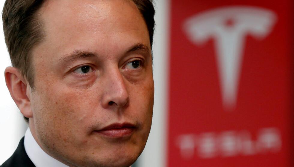 ELON MUSK TVITRET OM TESLA: Finanstilsynet i USA har saksøkt Tesla-sjef Elon Musk for bedrageri etter at han i august tvitret at han vurderte å ta Tesla av børsen. Foto: NTB scanpix