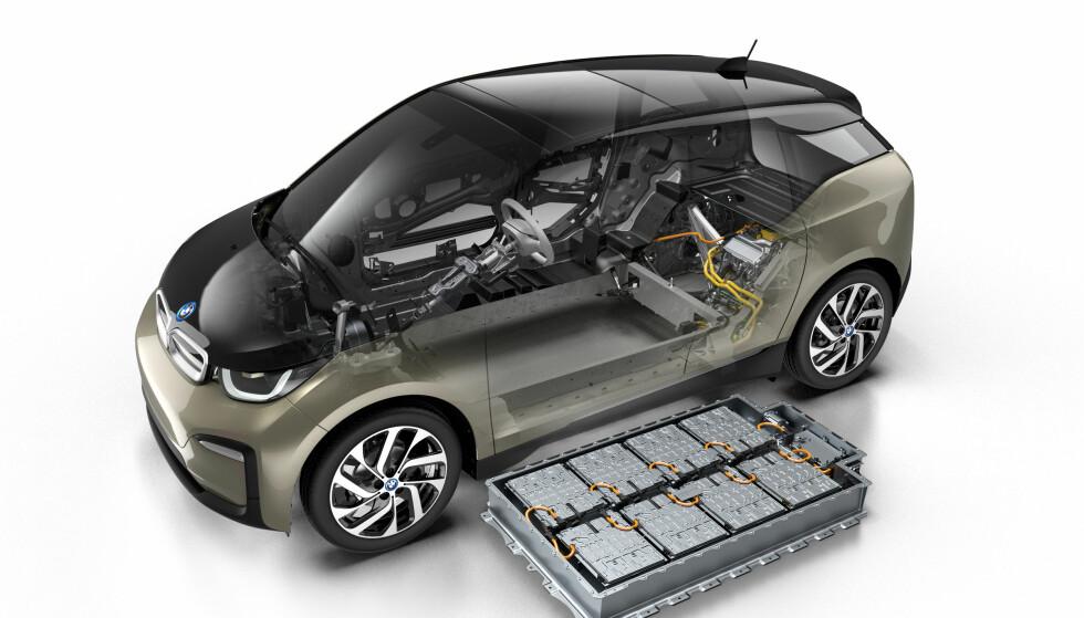 MER POWER: Batteripakken øker fra 33 kWt til 42,2 kWt. Foto: BMW