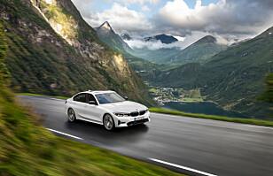 SPORT ELLER HYBRID: 3-serien kommer om man ønsker det som heftig gateracer eller som ladbar hybrid. Foto: BMW