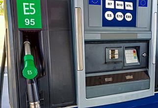 Nå kommer det ny merking på bensin- og dieselpumpene