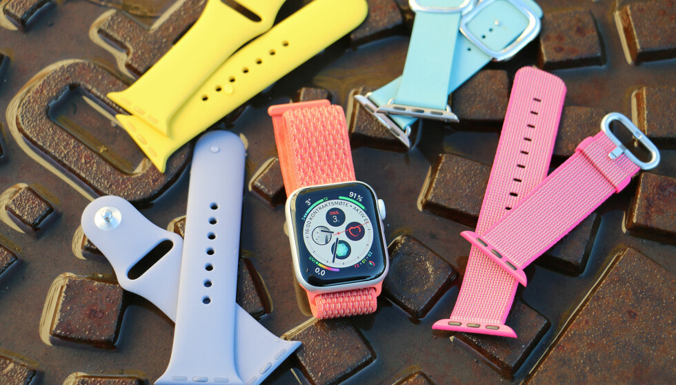 ARMBÅNDORAMA: Apple har gjort stor business på armbånd til Apple Watch. De slipper jevnlig nye varianter i ulike materialer og farger. Og vipps har du en smartklokke som kan brukes til både trening og fest. Foto: Kirsti Østvang