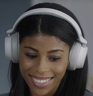 HODETELEFONER: MIcrosoft Surface Headphones får variabel støyreduksjon. Foto: Microsoft