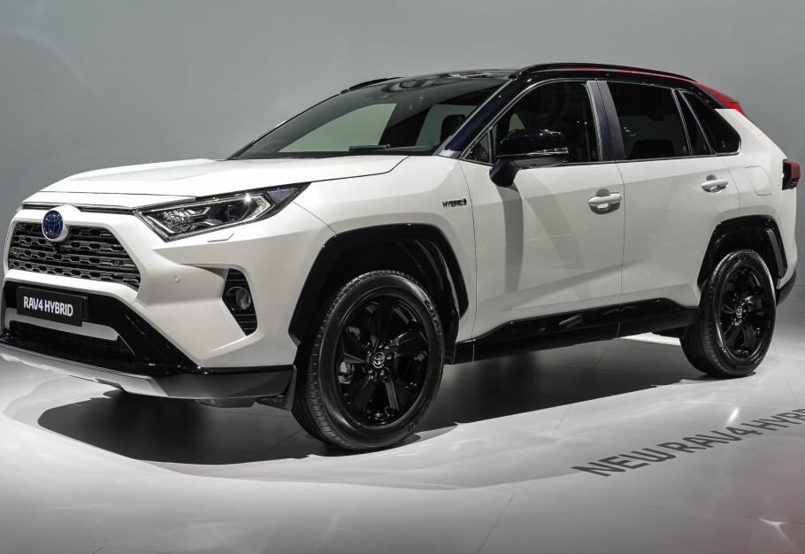 SIN EGEN STIL: Her er nye Toyota RAV4, først vist i New York i vår, deretter i Paris i oktober (bildet), og nå er prisene klare - så bilen kan bestilles fra og med nå. Foto: Jamieson Pothecary