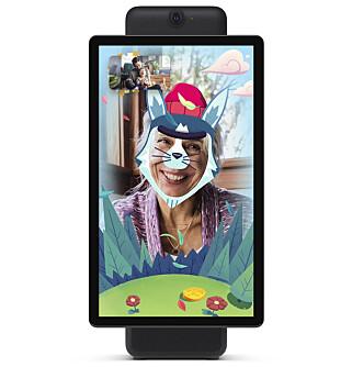 AR-EFFEKTER: Facebook har lagt inn AR-effekter i kameraet på Portal, slik at du kan se ut som en katt når du snakker med barnebarna. Foto: Facebook