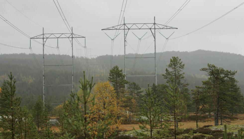 VINTEREN ER SIKRET: Fylte vannmagasin gjør at frykten for lite og dyr strøm i vinter er over. Foto: Terje Bendiksby/NTB Scanpix.