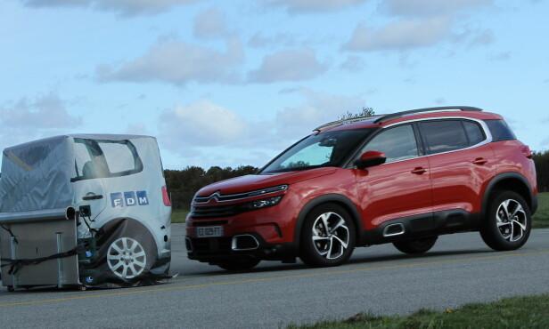NØDBREMS: At bilene klarer en automatisk nødbrems når du er uoppmerksom, er viktig for sikkerheten. Foto Rune Korsvoll
