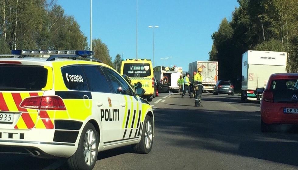 SPARER LIV: Ved å senke fartsgrensene på norske veier, kan ulykkene reduseres og opptil 35 færre bli drept, ifølge en TØI-rapport. Foto: Rune Korsvoll
