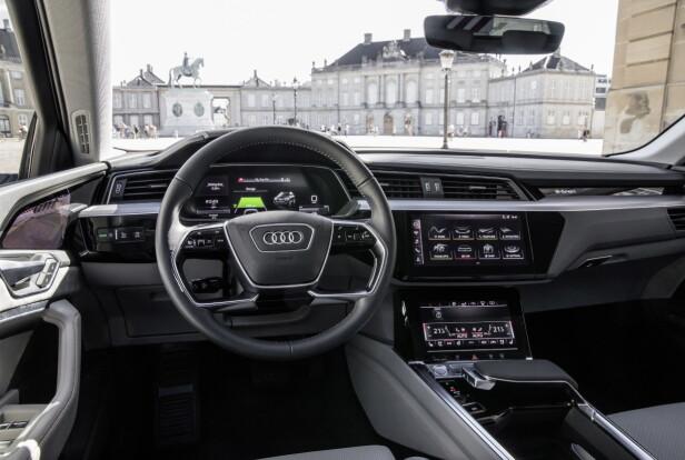<strong>TYPISK AUDI:</strong> Slik er interiøret i e-tron, her fotografert ved en tidligere anledning. Foto: Audi
