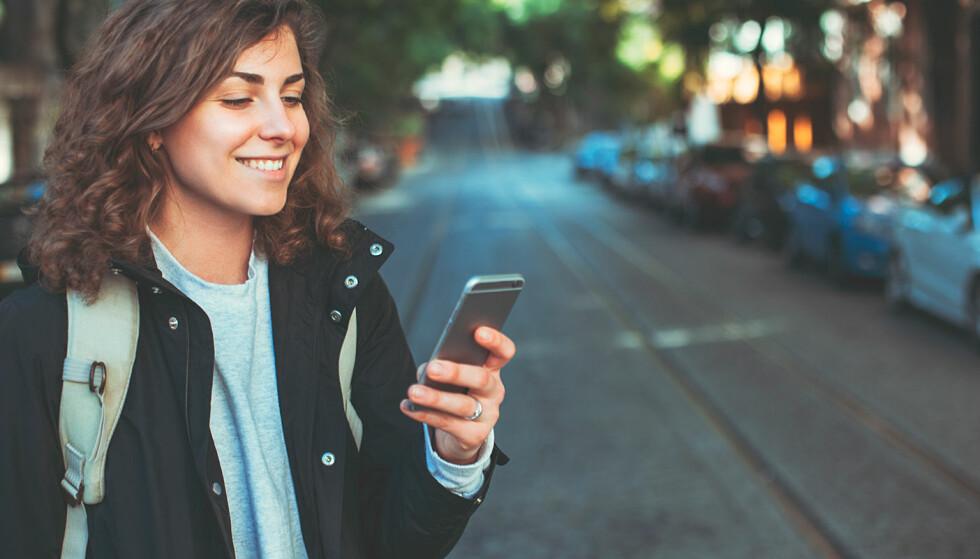 <strong>FORNØYDE:</strong> Jevnt over er nordmenn meget godt fornøyde med mobiloperatøren sin, men noen kommer ekstra godt ut av det. Foto: Shutterstock / NTB Scanpix
