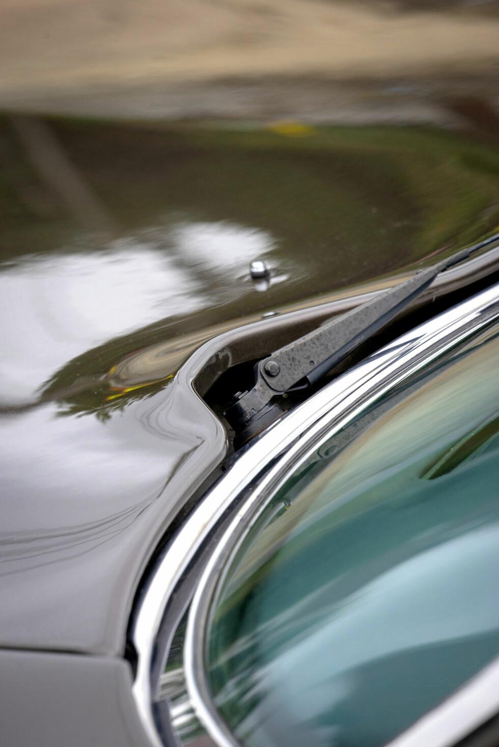 LEKKERT: Utrolig elegant overgang mellom panser og vindusviskere. Foto: Paal Kvamme