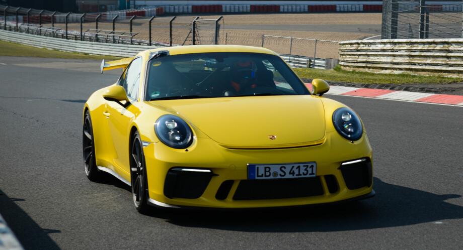 SKRØYT TIL POLITIET: Politiet målte Porsche-føreren til 280 km/t, men han kunne opplyse at hans 911 GT3 hadde klart 338 km/t. Illustrasjonsfoto: Porsche