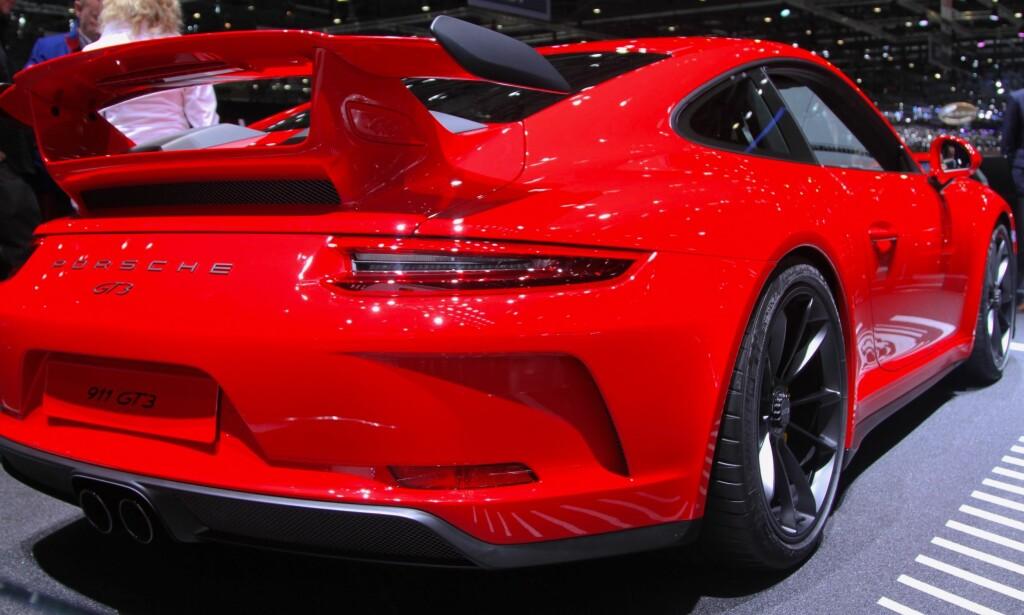 RÅ BIL: En Porsche 911 GT3 har 500 hester under panseret og har ifølge fabrikken en toppfart på 316 km/t. Foto: Rune Korsvoll