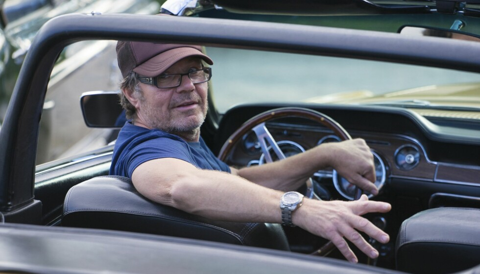 TIDKREVENDE: Jøran har brukt fem år å restaurere bilen sin. Foto Paal Kvamme